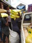 REPARTO DE COMIDA EN UGANDA 1