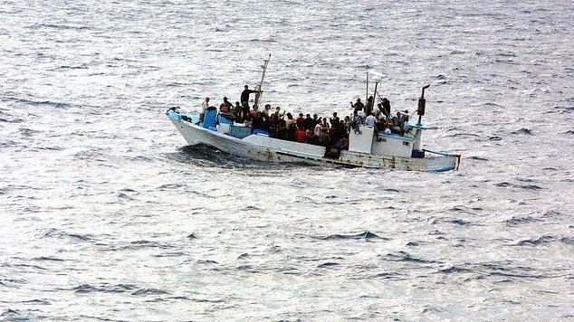 boat-998966_640 (2)